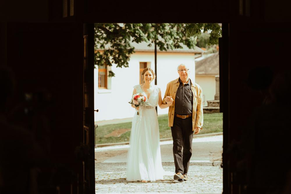 entrée mariage champagnole église