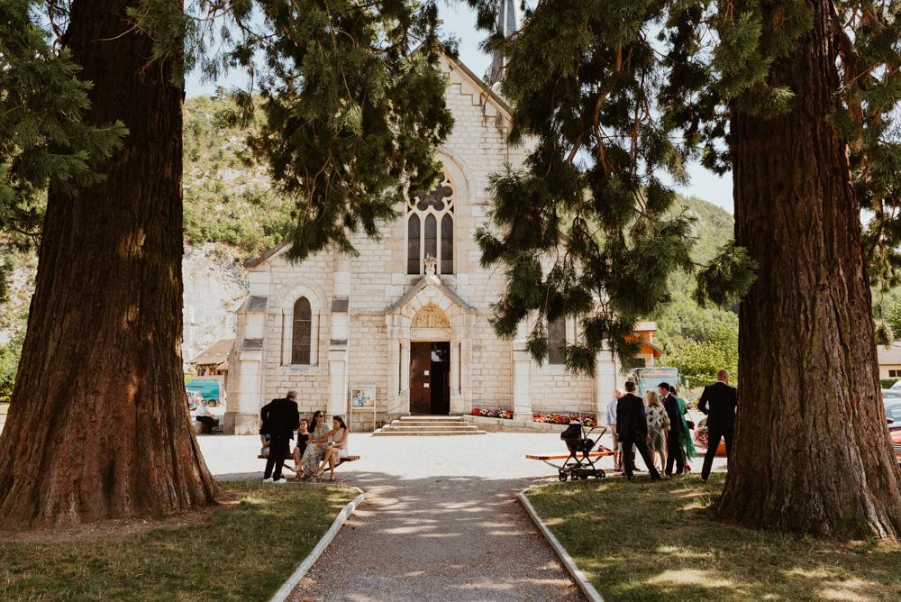 église de duingt parvis